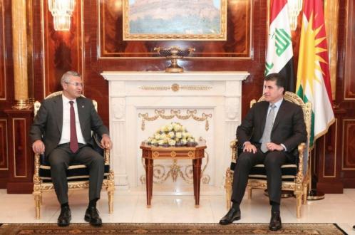 رئيس إقليم كوردستان يستقبل وفداً من حزب الشعب الجمهوري التركي